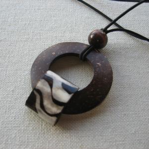 rings of saturn loc tie